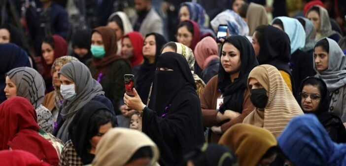US mulls offering visas for Afghan women, others under threat by Taliban